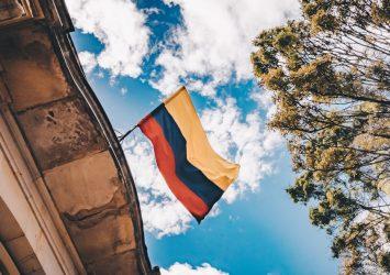 La consulta pública previa a la expedición de reglamentos en Colombia